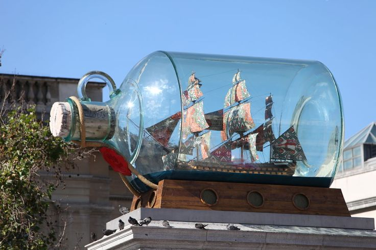 1024px-Nelson's_Ship_in_a_Bottle_by_Yinka_Shonibare