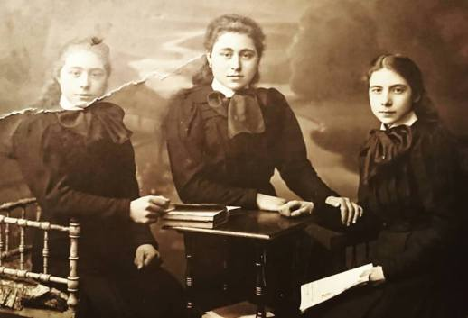 My grandmother Henriette Dumalin (middle) with her sisters Jeanne and Paula, c1915