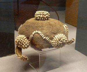 800px-Bonnet_Mbala-Musée_royal_de_l'Afrique_centrale